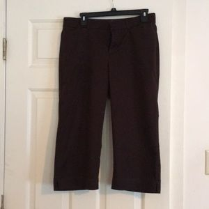 Dockers Curvy Fit Brown Capris